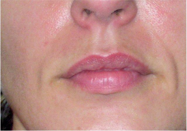 voile de rouge à lèvres avant